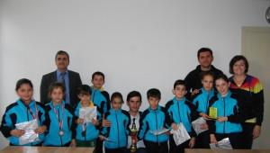 Selendi'ye 3'üncülük Kazandıran Badmintoncular Kaymakamı Ziyaret Ettiler