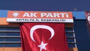 Akdoğan, AK Parti Antalya İl Başkanlığını Ziyaret Etti