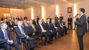 Başkan Hazinedar Başkan Topbaş'ı Bando ile Karşıladı