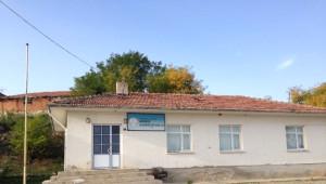 Demirel, Kapanan Köy Okullarına Dikkat Çekti