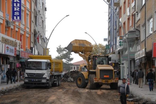 Yunus Emre Caddesinde Alt Yapı Çalışmaları