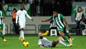 Bursaspor: 1 - Fenerbahçe: 0 (İlk Yarı)