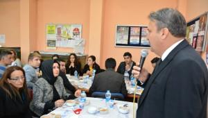 Yunusemre Belediyesi'nden Öğretmenler Günü Kutlaması