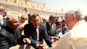 Papa, İstanbul Ziyaretine Onu da Davet Etti