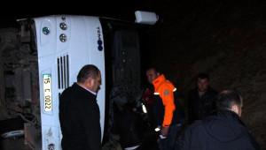 Burdur'da Midibüs Devrildi: 22 Yaralı (3)