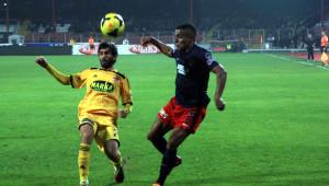 Mersin İdmanyurdu: 0 - Sivasspor: 0 (İlk Yarı)