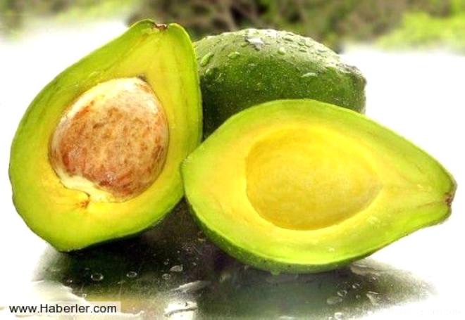 Kadınlar ciltleri için çeşit çeşit kremler kullansa da, hiç birinde tam bir sonuç alamazlar. Aslında asıl çözüm yağlarda ve bitkilerde gizlidir. Mesela avokado A, B, D, E vitaminlerini içerir. Kuru ciltler için idealdir.