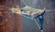 125 Metre Yüksekliğe Örümcek Ağı Kurdular
