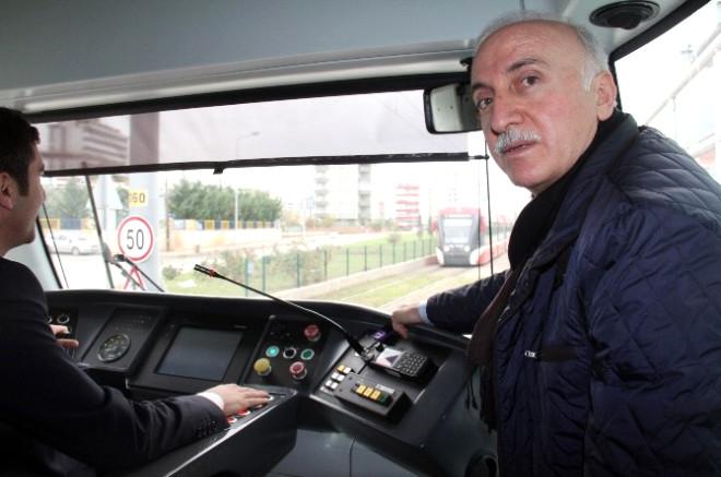 Vali ve Başkan Tramvayda Yolculuk Yaptı
