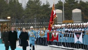Litvanya Cumhurbaşkanı, Resmi Törenle Karşılandı