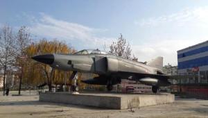 Boyabat'a Tayyareci Nuri Bey Anısına Savaş Uçağı