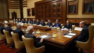 Cumhurbaşkanı Erdoğan, Başakşehir Kulübü Başkanı Gümüşdağ ve Beraberindekileri Kabul Etti