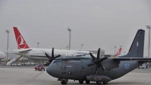 Litvanya Cumhurbaşkanı Askeri Nakliye Uçağı ile İstanbul'a Geldi