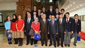 Başkan Kocaoğlu Yamanlar'ın Bilim Şampiyonlarını Ağırladı