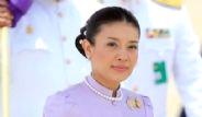 Çırılçıplak Köpek Partisi Prensesi Ünvanından Etti