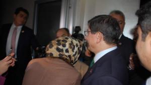 Başbakan Davutoğlu'ndan AK Parti Grup Başkan Vekili Aydın'a Taziye Ziyareti