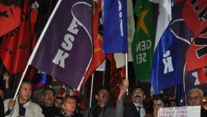 Yağmur Altında 17 Aralık Protestosu