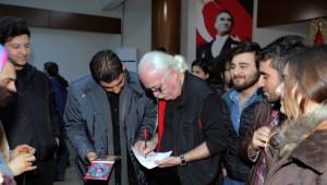 Çukurova Üniversitesi'nde Cahit Berkay Rüzgarı Esti