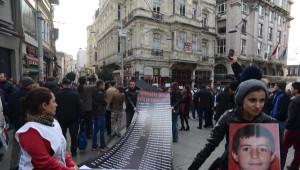 Uludere'nin Yıldönümünde Beyoğlu'nda Tabutlu Eylem
