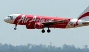 Kayıp Endonezya Uçağına Ait Olduğu Tahmin Edilen İpucu