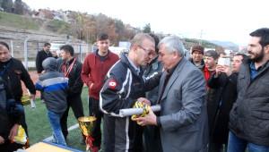 Şampiyon Uluoymak 1 Eylülspor Ligin Son Maçında Kupasını Aldı