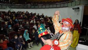 Lösemi Tedavisi Gören Çocuklar Palyaço ile Eğlendi