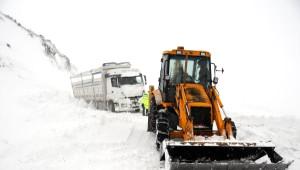 Bingöl, Tunceli, Elazığ'da Kar Yolları Kapattı (2)
