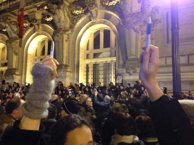 Fransa'da Charlie Hebdo'ya Destek Gösterileri