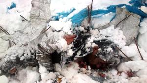 Çaykara'da Çığ Faciasında 4 İşçiyi Kurtarmak İçin Zamanla Yarışılıyor