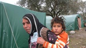İzmir'de 800 Sığınmacının Çadırlarda Yaşam Mücadelesi