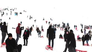 Elmadağ Kayak Merkezi Doldu Taştı