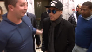 Neymar, Seke Seke İstanbul'a Geldi