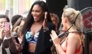 Ünlü Tenisçi Serena Williams, İç Çamaşırıyla Dikkat Çekti