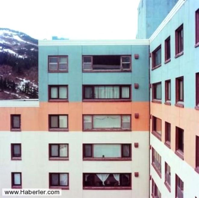 Bütün Şehir Aynı Apartmanda Yaşıyor