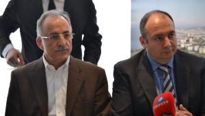 MHP ve CHP'li Siyasiler Şişli'de Bir Araya Geldi