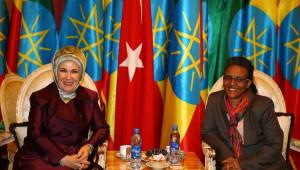Emine Erdoğan, Afrika'da Sivil Toplum Kuruluşu Temsilcileri ile Buluştu