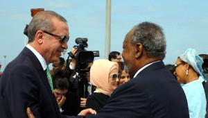 Erdoğan, Cibuti'de Resmi Törenle Karşılandı