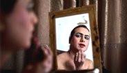 Pakistan'ın Gündüz Kadın, Gece Erkek Olan Çalışanları