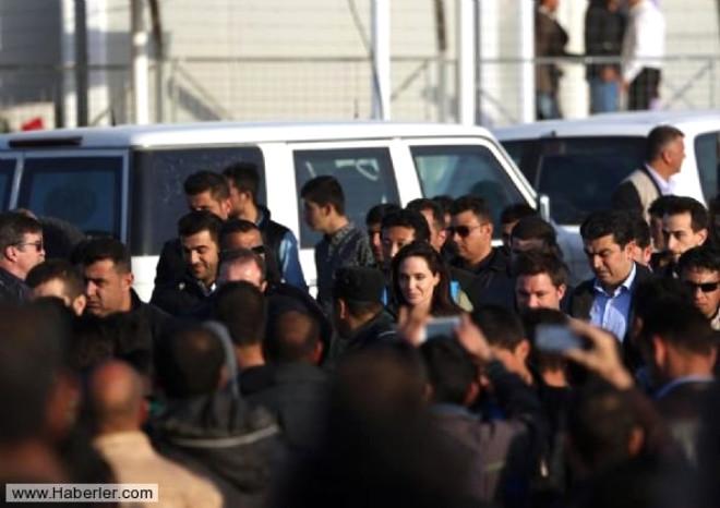 Angelina Jolie'dan Sığınmacılar İçin Yardım Çağrısı