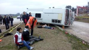 Hatay'da Midibüs Devrildi: 2 Üniversiteli Öldü, 18 Yaralı