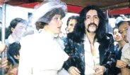 Ünlülerin Görmediğiniz Düğün Fotoğrafları