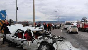 3 Araç Birbirine Girdi: 11 Yaralı