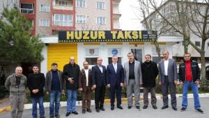Başkan Aydın, Ziyaret Ettiği Taksi Durağında Direksiyona Geçti