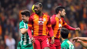 Galatasaray: 1 - Bursaspor: 1 (İlk Yarı)