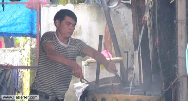 Vietnam'da Hayvanseverleri Kızdıracak Gelenek