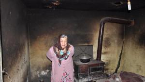 Samsun'da Zihinsel Engelli Kadın ve 2 Oğluna Belediyeden Ev