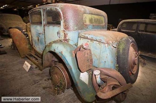Milyon Dolarlık Hurda Arabalar Garajda Unutuldu