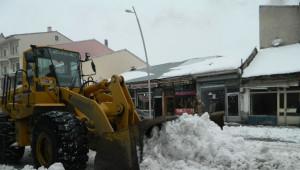 Eleşkirt'te Kar Temizleme Çalışması