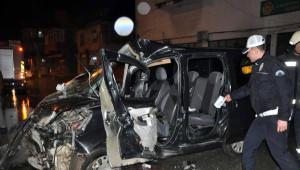 Şüpheli Aracı Takipte Kaza: 2 Polis Yaralandı