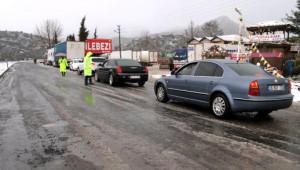 Kar, Akseki- Seydişehir Yolunda Ulaşımı Aksatıyor